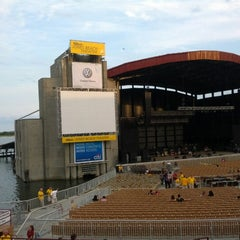 Photo taken at Nikon at Jones Beach Theater by Steven T. on 8/14/2012