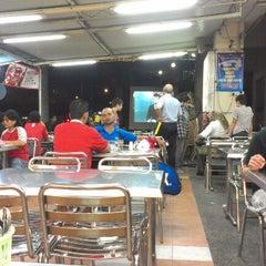 Photo taken at Restoran Khaleel by Amalina R. on 6/12/2012