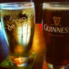 Photo taken at de Vere's Irish Pub by Jacqueline E. on 6/21/2012