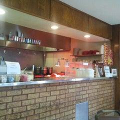 Photo taken at Mac's Bar-B-Que by Epi C. on 3/22/2012
