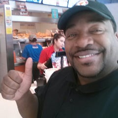 Photo taken at Popeye's Chicken & Biscuits by Shack N. on 4/16/2014