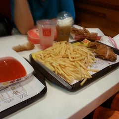 Photo taken at McDonald's by Jesica I. on 6/18/2014