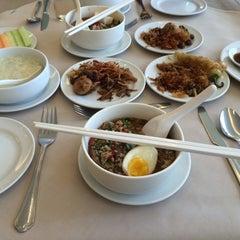 Photo taken at The Royal River Hotel (โรงแรมรอยัลริเวอร์) by Waranya P. on 3/28/2015