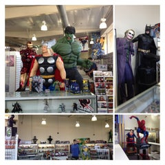 Photo taken at Phat Collectibles by Denise W. on 3/24/2013
