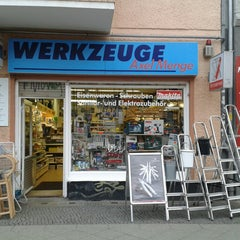 Photo taken at Werkzeuge Axel Menge by Carsten T. on 1/10/2014