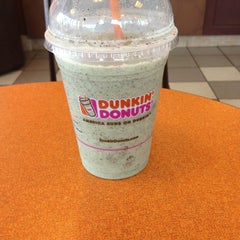 Photo taken at Dunkin Donuts by Doni A. on 7/18/2014