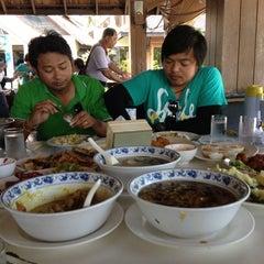 Photo taken at Phi Phi Banyan Villas by Visut S. on 11/15/2012