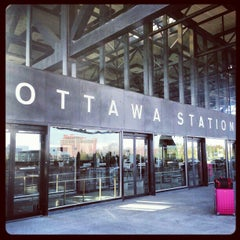 Photo taken at VIA Rail Ottawa by Gurjeet S. on 11/7/2012