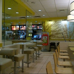 Photo taken at McDonald's by John H. on 6/5/2014