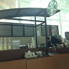 Photo taken at Starbucks by Roland N. on 6/6/2015