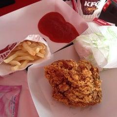 Photo taken at KFC by yp l. on 12/6/2014