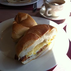 Photo taken at Penny's Diner and Restaurant by Mary Rose J. on 10/12/2013