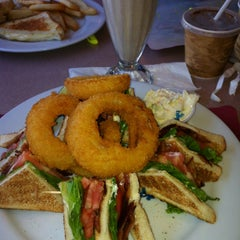Photo taken at Penny's Diner and Restaurant by Mary Rose J. on 7/27/2013
