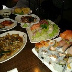 Photo taken at Restaurante Sushi Tori | 鳥 by Antony N. on 6/15/2013