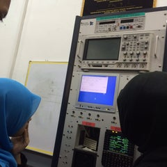 Photo taken at Avionics lab by Norie Safwan on 7/28/2015