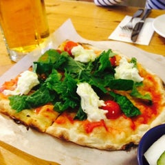 Photo taken at Trevia Pizza di Roma by SEO J. on 4/4/2015