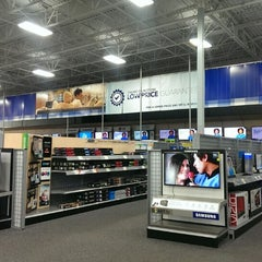 Photo taken at Best Buy by Petey P. on 2/16/2014