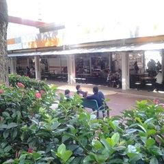 Photo taken at Bukit Merah View Market & Food Centre by hohd husnizam h. on 9/28/2012