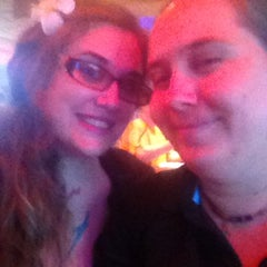 Photo taken at Red Robin Gourmet Burgers by L.⚓️ O. on 9/28/2014