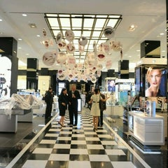 Photo taken at Bloomingdale's by J | A | K | E on 9/29/2012