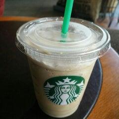 Das Foto wurde bei Starbucks von Martin v. am 7/5/2015 aufgenommen