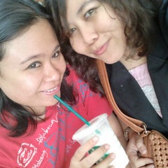 Photo taken at Starbucks by fms on 3/9/2013