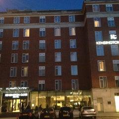 Photo taken at Kensington Close Hotel by Chuan P. on 4/26/2013