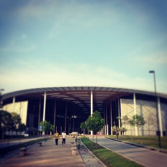 Photo taken at Universiti Teknologi PETRONAS (UTP) by Ivan L. on 1/27/2013