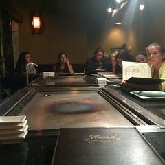 Photo taken at Hana Japanese Steakhouse and Sushi Bar by Stephen M. on 8/21/2015