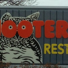 Photo taken at Hooters by Tom O. on 3/9/2013