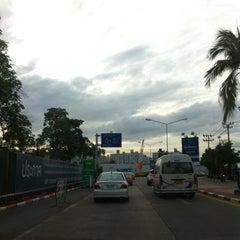 Photo taken at เมืองทองธานี (Muang Thong Thani) by ⓚⓔⓐⓝⓖ . on 6/24/2015
