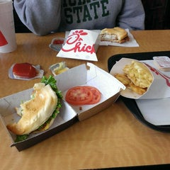 Photo taken at Chick-fil-A by Mark L. on 12/27/2014