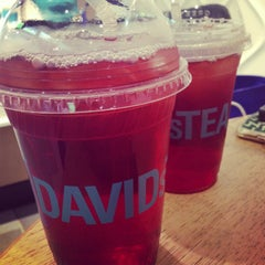 Photo taken at DAVIDsTEA by eFlirt Expert on 4/10/2013