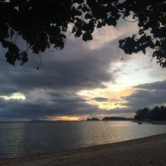 Photo taken at Milky Bay Resort Koh Phangan by Rawiwan W. on 9/29/2015