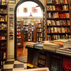 Photo taken at City Lights Bookstore by Morten J. on 4/12/2013