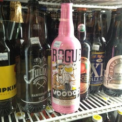 Photo taken at Downtown Wine & Spirits by Brian D. on 3/9/2013
