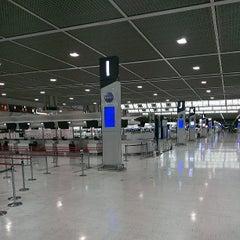 Photo taken at 成田国際空港 第2ターミナル (Narita International Airport - Terminal 2) by Saku Y. on 6/9/2013