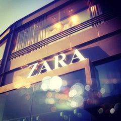 Photo taken at Zara by Reinaldo I. on 7/7/2012