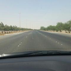 Photo taken at الخط السريع الملك فهد by nawaf a. on 9/30/2014