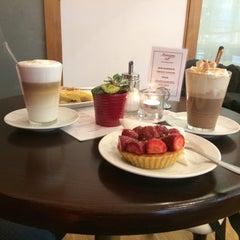 Photo taken at Mansson Danish Bakery & Café by Áďa Š. on 12/13/2014