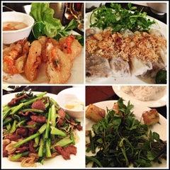 Photo taken at Quán Ăn Ngon by Gavin Chian on 12/25/2012