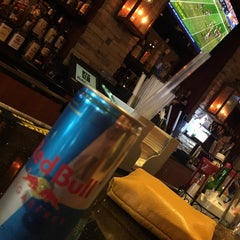 Photo taken at Sporting News Bar & Grill by _S_ M. on 9/28/2014
