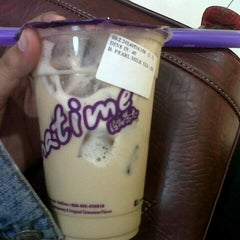Photo taken at Chatime by siti j. on 5/16/2014