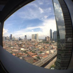 Photo taken at Sampoerna Strategic Square by Alfiansyah on 5/21/2015