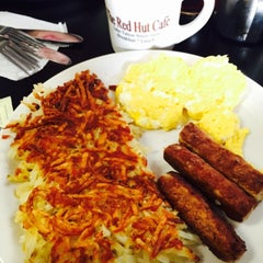 Photo taken at Red Hut Waffle Shop by Huiyi C. on 1/17/2015