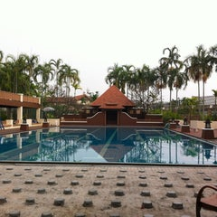 Photo taken at Q House Laddalom Swimming Pool by Alice _. on 3/31/2013