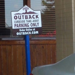 Photo taken at Outback Steakhouse by Sidney B. on 8/4/2014