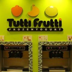 Photo taken at Tutti Frutti Pinecrest by Tutti Frutti Pinecrest on 9/18/2014