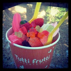 Photo taken at Tutti Frutti Pinecrest by Tutti Frutti Pinecrest on 6/2/2014