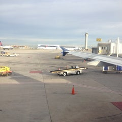 Photo taken at Concourse D by John F. on 11/20/2012
